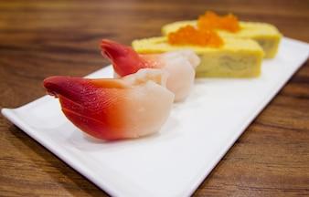 Hokkigai nigiri sushi cuisine japonaise