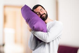Homme en pyjama