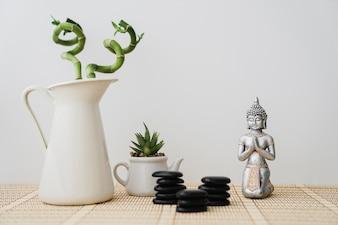 Jolie composition avec la figure de Bouddha