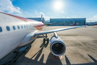 L'arrière-plan latéral de l'avion