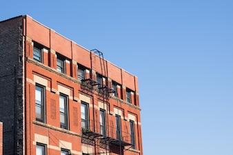 L'édifice de l'habitation ouest monte métropole