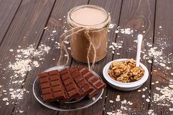 La farine d'avoine au chocolat énergie de régime utile