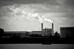 la pollution en usine