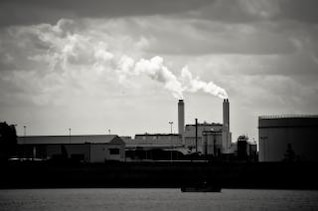 la pollution en usine