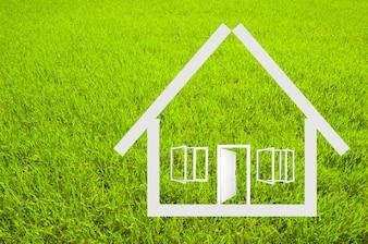 La structure de la maison avec fond d'herbe