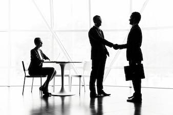 Le dialogue entre les cadres