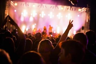 Les gens dans un festival