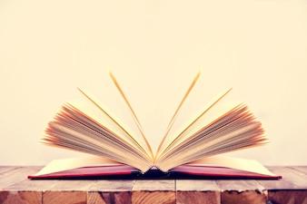 Livre ouvert.