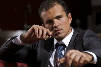Mafia gangster cigarette fumée fumer