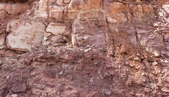 Montagne avec des roches