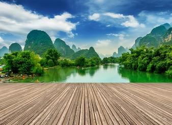 Montagnes bleues paysage touristique célèbre lijiang