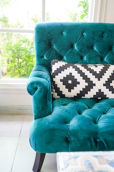 Oreiller sur le décor intérieur de sofa