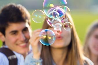 Parc d'éclairage à bulles été deux