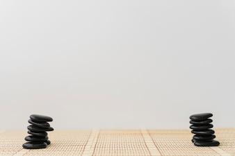 Piles de pierres d'énergie noire