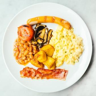 Plat de petit-déjeuner anglais
