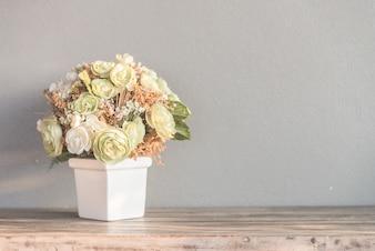 Pot de fleurs aux couleurs pastel