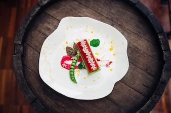 """""""Légumes cuits servis sur assiette blanche"""""""