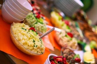 Salade de pommes de terre saine photo gratuite