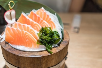 Sashimi au saumon frais