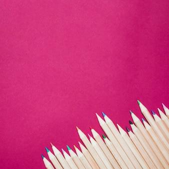 Sharp crayons de couleur