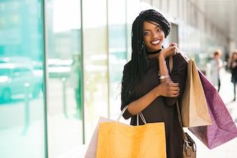 Shopping belle fille femme américaine