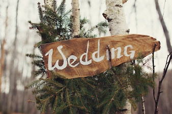 Signe de bois de mariage sur l'arbre