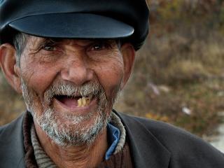 Sourire, chapeau