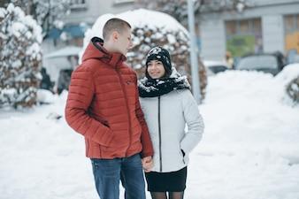 Sourire face relation amoureuse couple