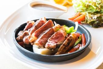 Steak de boeuf et de viande