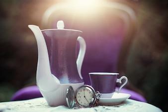 Tasse de thé et une théière