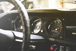 Vieille voiture tableau de bord