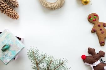 Vue plate de la décoration de Noël, copyspace au milieu
