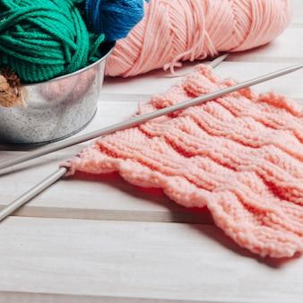 Vue rapprochée de la laine rose