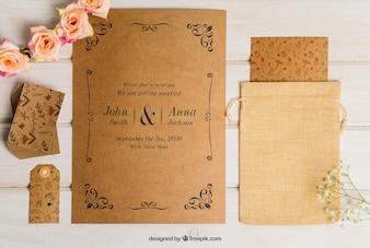 Conjunto floral de casamento de papelão