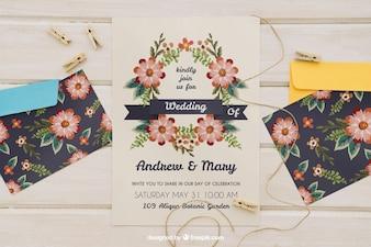 Convite de casamento com envelopes e cordão com pinças de roupa