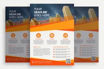 Folheto comercial branco com detalhes em laranja