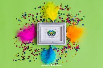 Grande design do carnaval mockup com penas coloridas