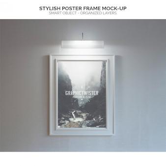 Iluminado quadro de cartaz mock-up