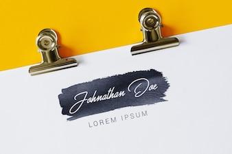 Livro branco com logotipo mock up