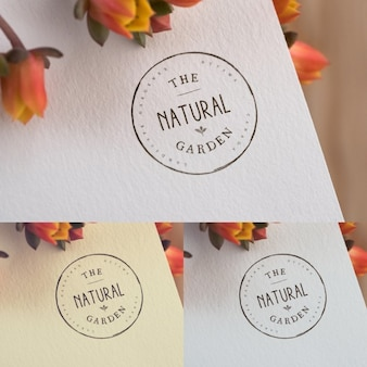 Logotipo Floral mock up