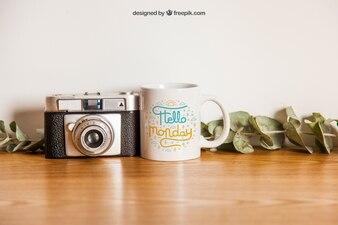 Mockup de taza y cámara
