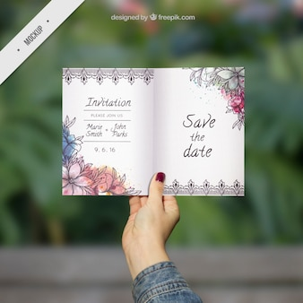 mockup ornamental convite do casamento com flores da aguarela
