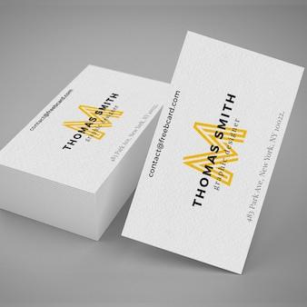 Mockup realista de tarjeta de visita