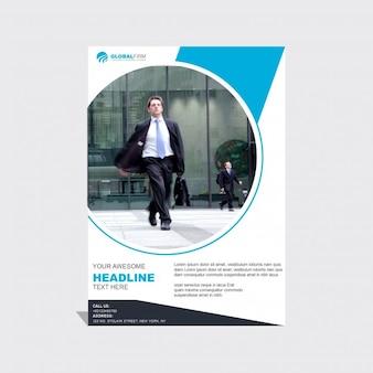 Plantilla de folleto de negocios azul y blanca