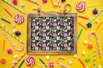 Concept d'anniversaire avec ardoises et bonbons