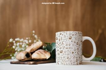Maquillage de petit-déjeuner avec tasse
