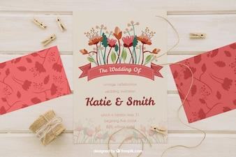 Mock up con invito di nozze, corda e clothespins