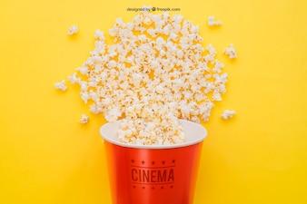 Mockup di film con il secchio di popcorn