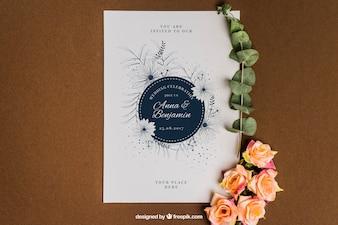 Mockup di nozze di cancelleria floreale sveglio