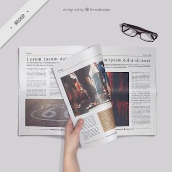 Die Zeitung lesen